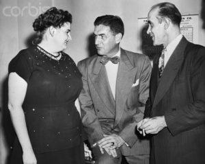 Убийцы Рей Фернандес и Марта Бек со своим адвокатом.
