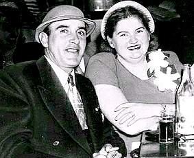 Серийный убийца Рей Фернандес и его подручная Марта Бек.