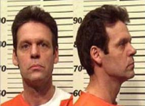 Маньяк и убийца по убеждению Роберт Чарльз Браун.
