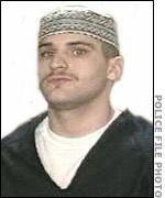 Серийный убийца Харви Робинсон после принятия Ислама.