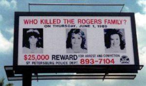 Билборды с сообщением о розыске Джоан Роджерс и ее дочерей.