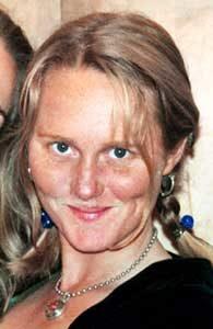 Жертва маньяка Кэри Стэйнера репортер телеканала KCRA Джой Армстронг.
