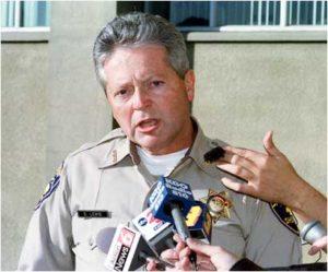 Шериф Деннис Льюис заявляет об аресте маньяка Уэйна Адама Форда.