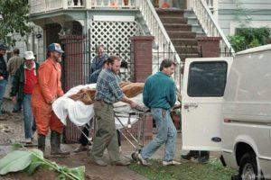 Обыск в доме серийной убийцы Доротеи Елены Пуэнте.