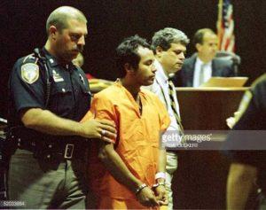 Серийный убийца Анхель Ресендиз на суде.