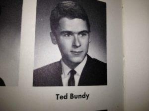 Фото серийного убийцы Теодора Банди.