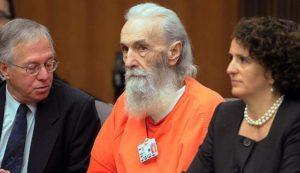 Маньяк Роджер Кибби в суде.