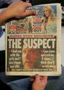 Сообщение в газетах о задержании фальшивого серийного убийцы.