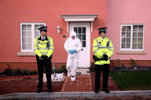 Обыск в доме серийного убийцы Стивена Райта.