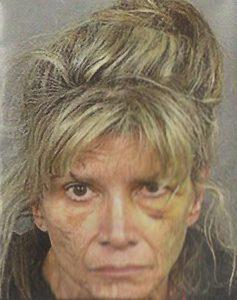 извращенка 58-летняя Кристин Кэймер