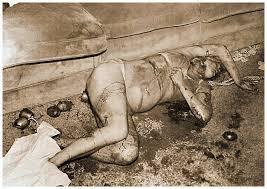Фото мертвой Шерон Тейт, убитой бандой Мэнсона.
