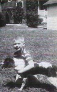 Серийный убийца Дамер Джеффри с собакой.