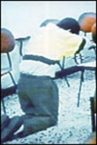 Фото маньяка Луиса Альфредо Гаравито во время исповеди.