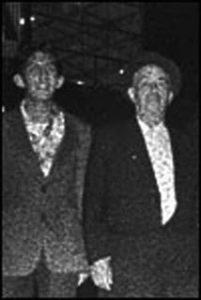 Фото маньяка Луиса Альфредо Гаравито и его отца.