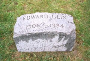 Могила маньяка Эдварда Гейна.
