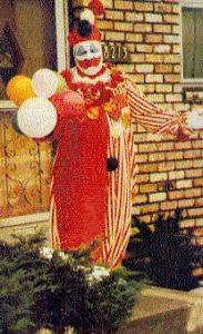Фото маньяка Джона Уэйна Гейси в роли клоуна Пого.
