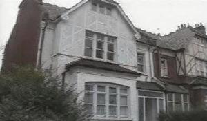 Дом маньяка Денниса Нильсена на Крэнли Гарденс.