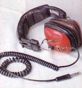 Орудие убийства маньяка Денниса Нильсена - шнур наушников.