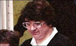Серийная убийца Розмари Уэст в суде.