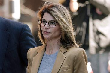 Скандалы и криминал: Звезда сериалов Голливуда, актрисе Лори Лафлин предъявлены новые обвинения