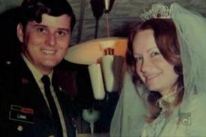 Серийный убийца Бобби Джо Лонг и его женаСинди Браун.
