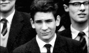 Фото будущего маньяка Гарольда Шипмана в 17 лет.