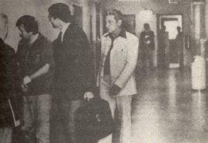 Серийный убийца Ричард Коттингем и его адвокат.