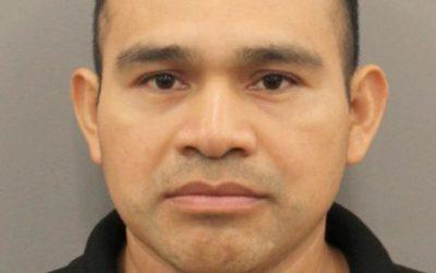Криминальные новости: По заявлению полицейских, 12-летняя девочка врезалась на внедорожнике в мужчину