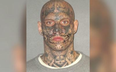 Криминальные новости: Адвокат, подозреваемого в двойном убийстве, надеется, что присяжные не обратят внимания на демонические татуировки