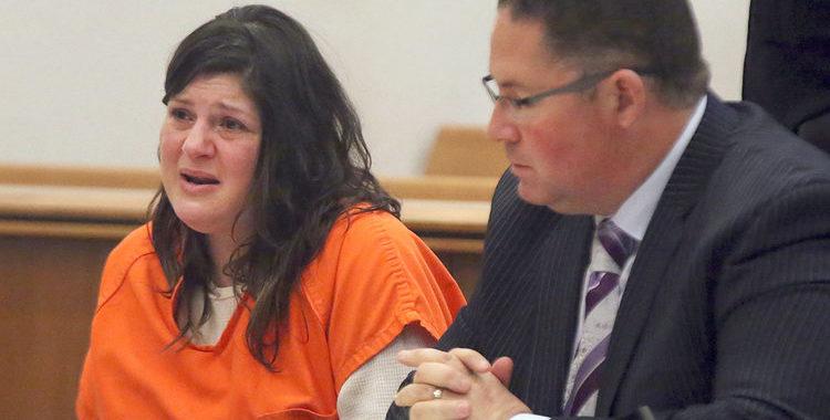 Криминальные новости: Женщина, убившая свою мать и бабушку в их доме на пляже в Нью-Джерси, была приговорена к 42 годам лишения свободы