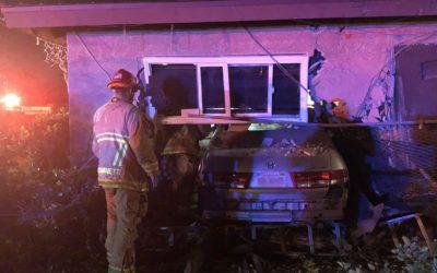 Криминальные новости: Мужчина, спящий в своем доме, был неожиданно разбужен, когда автомобиль врезался в дом