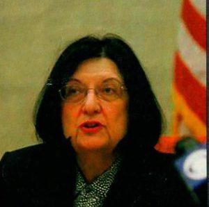 Судья Карен Анджела.
