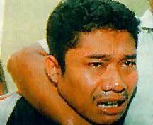 Маньяк 30-летний Мохаммед Дэвис Сухарто.