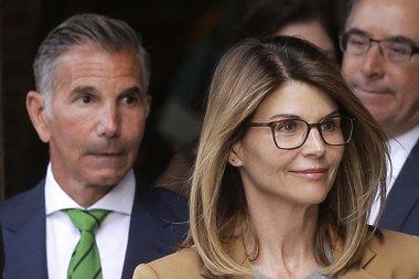 Скандалы и криминал: Актриса Лори Лафлин и её муж модельер Моссимо Джаннулли признали себя виновными