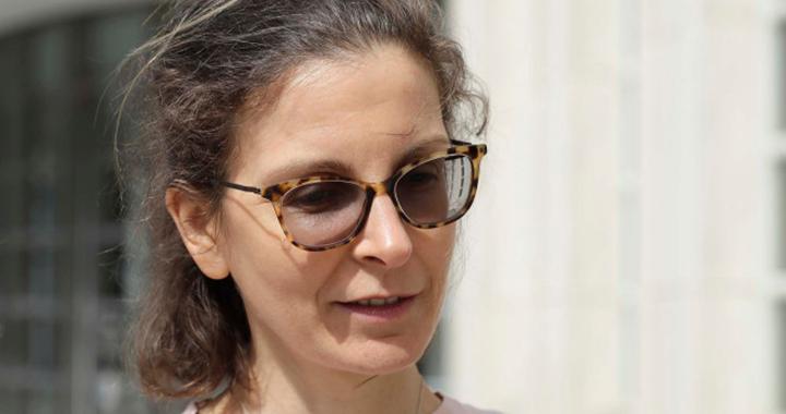 Скандалы и криминал: Более 6 лет придется провести за решеткой 41-летней Клэр Бронфман — дочери миллиардера