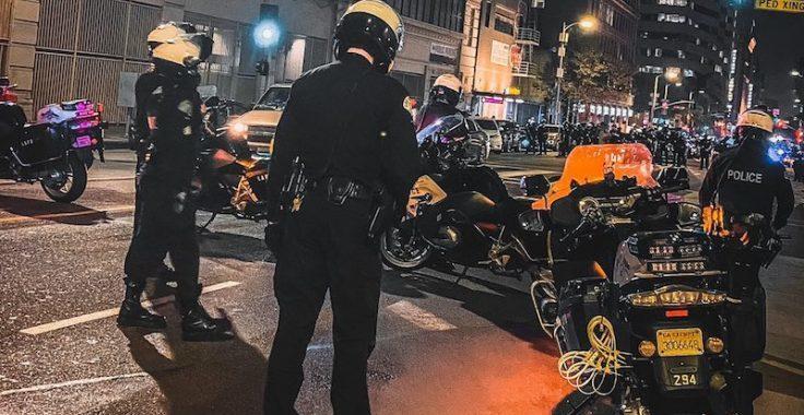 Криминальные новости: По данным полицейского управления, 50-летний мужчина переходил улицу, когда мотоцикл столкнулся с ним