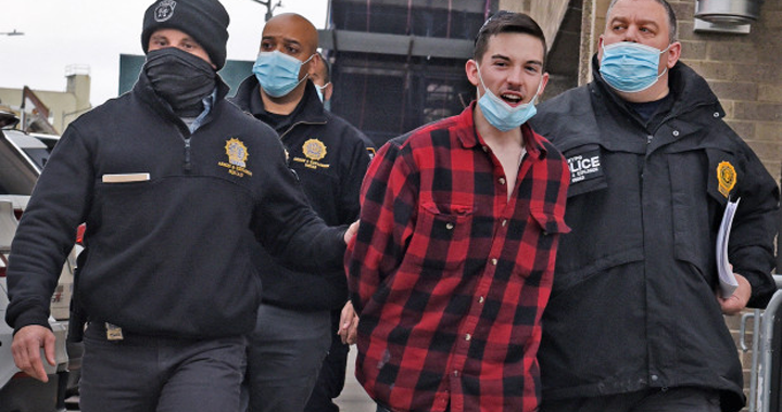 Криминальные новости: Как полагает полиция, не без помощи действовал 22-летний Луис Шенкер из Массачусетса
