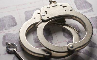 Скандалы и криминал: Как сообщают полицейские, мужчина из был арестован трижды менее чем за 12 часов