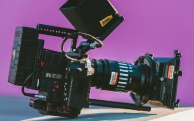 Скандалы и криминал: По сообщению полиции, камеру забрали у репортера под дулом пистолета
