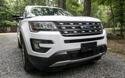 Скандалы и криминал: Полиция объявила в розыск владельца белого автомобиля Ford Explorer