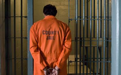 Скандалы и криминал: Мужчина, недоплативший 43 цента за бутылку газировки, может сесть на 7 лет