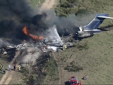Скандалы и криминал: В штате Техас потерпел крушение самолет McDonnell Douglas с пассажирами на борту